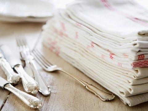 Cómo colocar la vajilla y cubertería en una mesa
