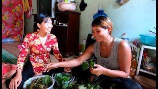 Lặt lá Mì để xào ăn bữa cơm chiều - Hương vị đồng quê - Bến Tre - Miền Tây