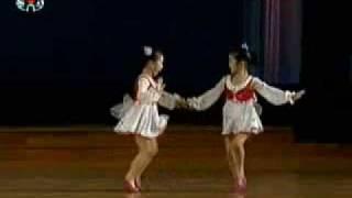 """North Korean Childen Dancing """"Don't Follow me, Butterflies!"""" 北朝鮮幼稚園児舞踊"""