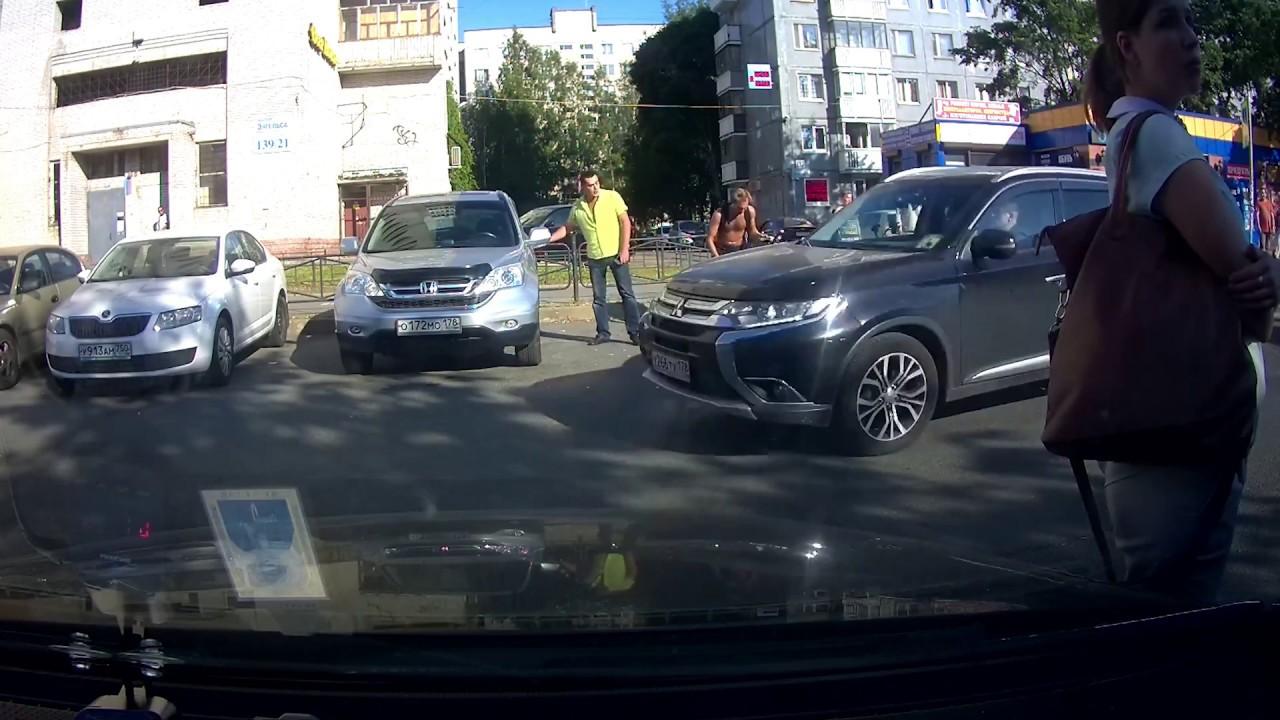 Велосипедист применил газовый баллончик против водителя в Санкт-Петербурге