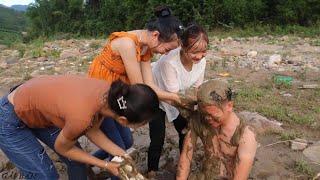Lần đầu tắm suối cùng GÁI BẢN | Đi đào BỌ HUNG về ăn