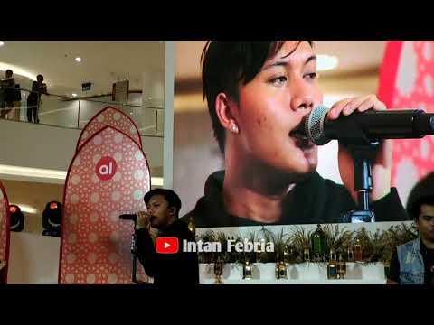 RIZKY FEBIAN - BERPISAH ITU MUDAH di Senayan City