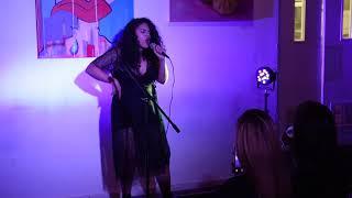 See singer Ali de Leon's entrancing set