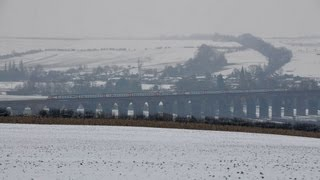 preview picture of video 'Harringworth Viaduct Snowy EMT Diversions'