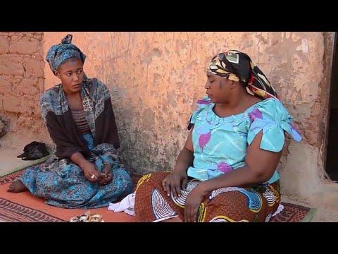 Musha Dariya [ Adama Dadin Kowa Ta Haifi Daidai Da'Ita ] Video