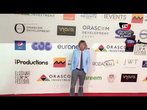 لحظة وصول النجم العالمي أوين ويلسون في ختام مهرجان الجونة السينمائي