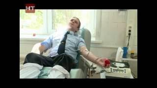 Новгородские полицейские сдали кровь для подростков