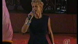 Festival De Viña 2000 - 4ta Noche - Xuxa 02