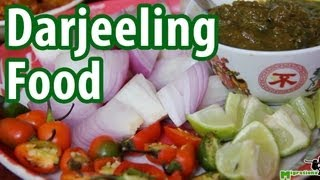 preview picture of video 'Comforting Motherly Food at Darjeeling Restaurant, India'