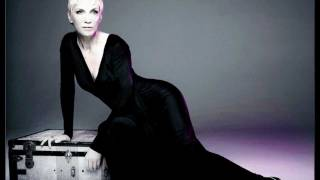 Waiting in vain - Remix by Simon Tocclo - Annie Lennox