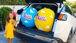 Öykü and Dad Whole Car Surprise Balls
