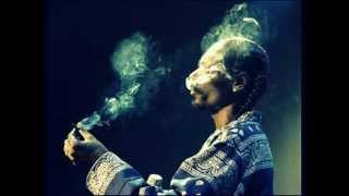 Snoop Dogg featuring Warren G & Nate Dogg - Don't Tell