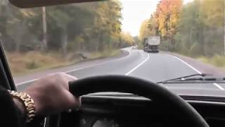 Повороты, спуски и подъемы на механике с переключениями на разной скорости.
