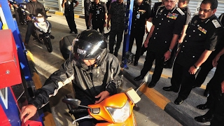 Behave when you are at country's checkpoints, motorcyclists warned