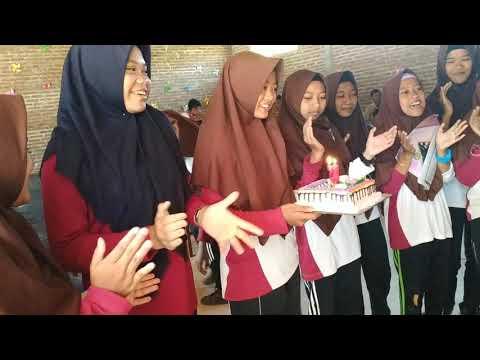 kejutan ulang tahun bu guru dari murid (ulang tahun yang berkesan)