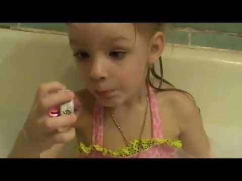 Лизуны, миньоны, пена  и сюрпризы для детей !Играем в ванной!!! Видео для детей!games for kids