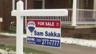 How the coronavirus is forcing realtors to change the way they sell houses