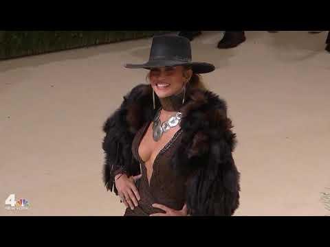Jennifer Lopez Brings Western Look to Met Gala