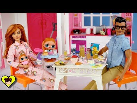 Bebés LOL Surprise y Mama Barbie Rutina de la Mañana en Familia