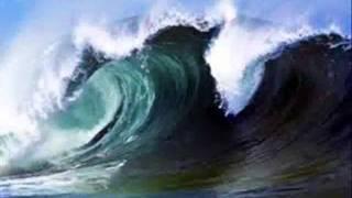 Juli mit die Perfekte Welle