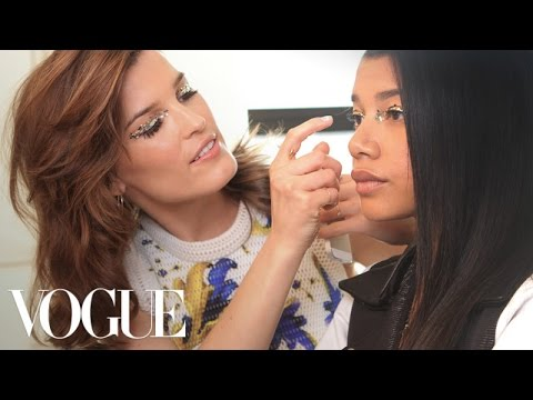 How to Create a Dramatic Glitter Eye - Beauty Mark - Vogue