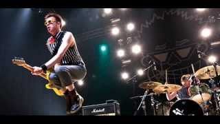 Toy Dolls - Nelly The Elephant