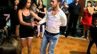 tony et tressy (Gitan qui danse)