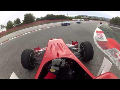 Vuelta al circuito de Montmeló en un FORMULA 3