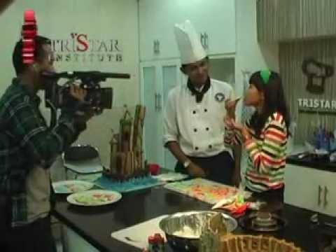 Video Cara Membuat Kue Jahe aneka Bentuk di Dapur Patiseri Tristar Institute. Info Kursus: . 085731804143