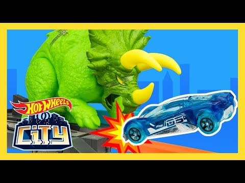Spielzeugautos Mattel City Triceratops-Angriff Spielset Neu