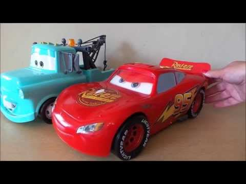 Disney Pixar Cars 2 Gear Up & Go Lightning McQueen & Tow Mater Toys Review