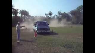 preview picture of video 'Santa Ana de los Guácaras.  Autos Clásicos 11. Van Chevrolet V8'
