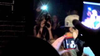Austin Mahone-One Less Lonely Girl LIVE