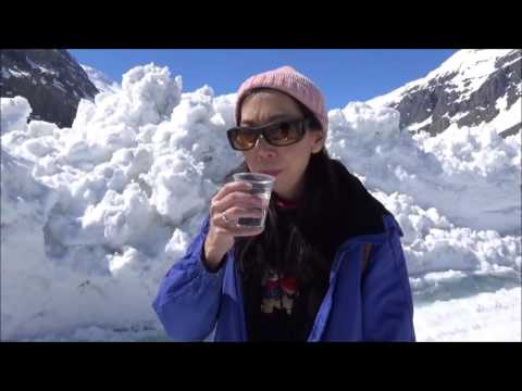 Columbia Icefields And Skywalk - Drinking Glacier Water In Canada!
