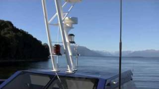 preview picture of video '2010 38 NZ  Lake Te Anau'