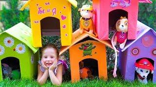 Nastya and dad paint playhouses