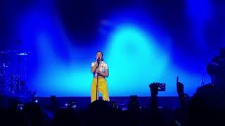 Halsey Performs Finally  Beautiful Stranger Live In Brooklyn