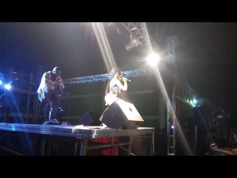 """VIDEO: AK Songstress thrills crowd at KNUST with """"Fire Cyaan Don"""" song"""