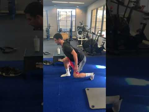 Staggered Lunge