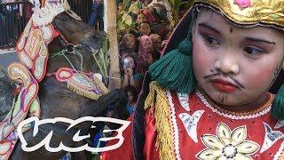 Pesta Sunat Gila-Gilaan Sumedang: Kuda Renggong