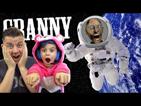 GRANNY FLOATED INTO SPACE!! Space Granny Mod Gameplay