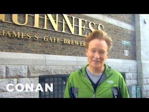 Conan na návštěvě v pivovaru Guinness