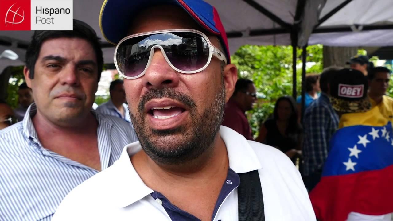 Testimonios en el primer día de recolección de firmas para revocar a Maduro