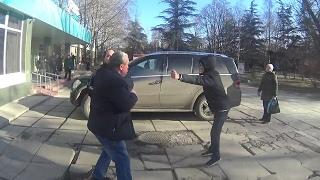 """СтопХам Крым - Аксёнов сказал здесь ставить машины!А вы, """"шушара"""" ещё ответите!ДРАКА С АКТИВИСТАМИ!"""