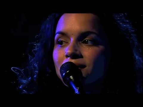 Norah Jones - Something Is Calling You