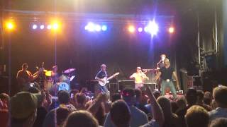 AARON TIPPIN- Kiss this!