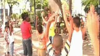 preview picture of video 'Trabajo con Plumilla y Tinta -Art Theraphy- Cardenas-Cuba.(10)wmv'