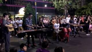 Vietnamese traditional music show on Nguyen Hue Blvd