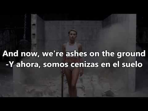 Miley Cyrus -Wrecking Ball -Español & English Lyrics