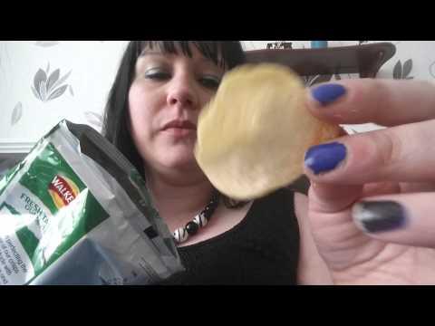 ASMR -  EATING CRISPS - CRUNCHY & CRINKLY PACKAGING BINAURAL SOUNDS - TINGLES